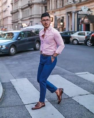 Silbernes Armband kombinieren – 1028+ Herren Outfits: Tragen Sie ein weißes und rotes vertikal gestreiftes Langarmhemd und ein silbernes Armband für einen entspannten Wochenend-Look. Ergänzen Sie Ihr Outfit mit braunen Leder Slippern mit Quasten, um Ihr Modebewusstsein zu zeigen.