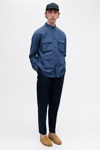 Business Schuhe kombinieren – 500+ Herren Outfits: Paaren Sie ein dunkelblaues Langarmhemd mit einer dunkelblauen Chinohose, um mühelos alles zu meistern, was auch immer der Tag bringen mag. Fühlen Sie sich mutig? Ergänzen Sie Ihr Outfit mit Business Schuhen.