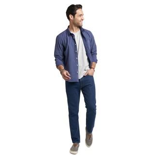 Wie kombinieren: dunkelblaues gepunktetes Langarmhemd, graues T-Shirt mit einem Rundhalsausschnitt, dunkelblaue Jeans, graue Segeltuch niedrige Sneakers