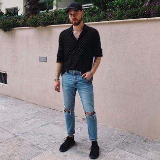 Schwarze Baseballkappe kombinieren – 500+ Herren Outfits: Kombinieren Sie ein schwarzes und weißes gepunktetes Langarmhemd mit einer schwarzen Baseballkappe für einen entspannten Wochenend-Look. Entscheiden Sie sich für schwarzen Sportschuhe, um Ihr Modebewusstsein zu zeigen.