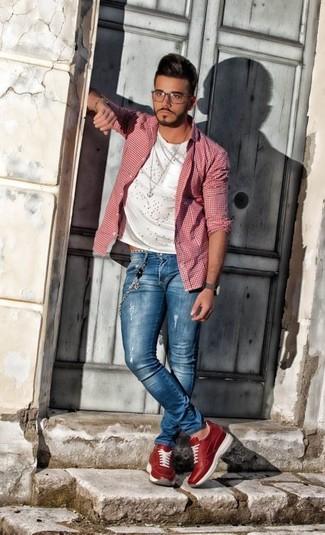 blaue enge Jeans mit Destroyed-Effekten von Jaded London