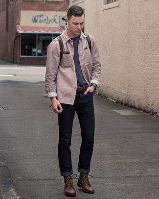 Dunkelbraunen Ledergürtel kombinieren – 500+ Herren Outfits: Paaren Sie ein graues vertikal gestreiftes Langarmhemd mit einem dunkelbraunen Ledergürtel für einen entspannten Wochenend-Look. Vervollständigen Sie Ihr Outfit mit einer dunkelbraunen Lederfreizeitstiefeln, um Ihr Modebewusstsein zu zeigen.