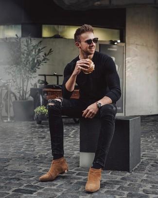 Rotbraune Chelsea-Stiefel aus Wildleder kombinieren: trends 2020: Vereinigen Sie ein schwarzes Langarmshirt mit schwarzen engen Jeans mit Destroyed-Effekten für einen entspannten Wochenend-Look. Heben Sie dieses Ensemble mit rotbraunen Chelsea-Stiefeln aus Wildleder hervor.