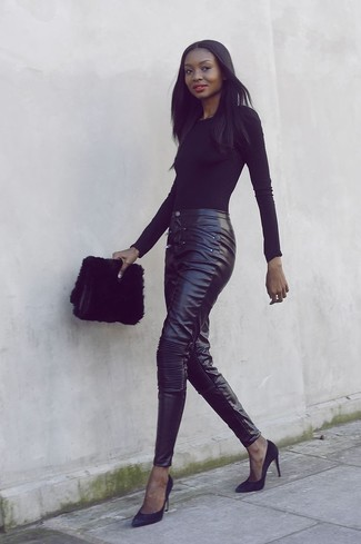 schwarze Pelz Clutch von Saint Laurent