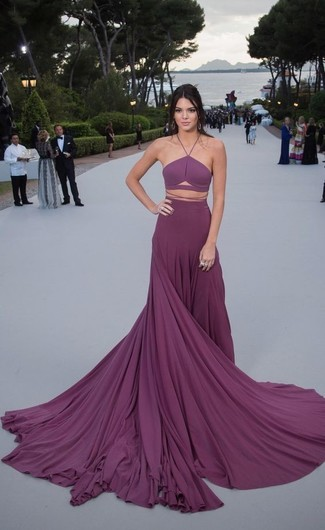 Kendall Jenner trägt Lila Falten Ballkleid