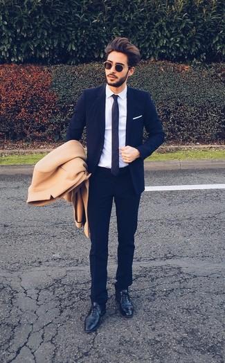 Blauer anzug mantel