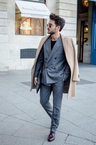schwarzer Pullover mit einem Rundhalsausschnitt von Anvil