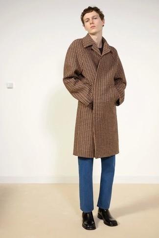 Blaue Jeans kombinieren – 500+ Herren Outfits: Kombinieren Sie einen braunen Mantel mit Hahnentritt-Muster mit blauen Jeans für Ihren Bürojob. Fühlen Sie sich ideenreich? Ergänzen Sie Ihr Outfit mit schwarzen Chelsea Boots aus Leder.