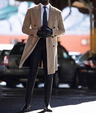 Schwarze Lederhandschuhe kombinieren – 239 Herren Outfits: Für ein bequemes Couch-Outfit, kombinieren Sie einen camel Mantel mit schwarzen Lederhandschuhen. Fühlen Sie sich ideenreich? Vervollständigen Sie Ihr Outfit mit schwarzen Chelsea Boots aus Leder.