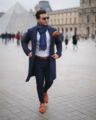 Dunkelblaue Sonnenbrille kombinieren: trends 2020: Für ein bequemes Couch-Outfit, vereinigen Sie einen dunkelblauen Mantel mit einer dunkelblauen Sonnenbrille. Rotbraune Doppelmonks aus Leder putzen umgehend selbst den bequemsten Look heraus.