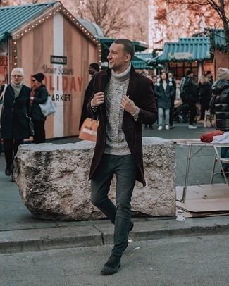Dunkelgraue Chelsea Boots aus Wildleder kombinieren – 90 Herren Outfits: Entscheiden Sie sich für einen dunkelbraunen Mantel und dunkelgrünen Jeans, um einen eleganten, aber nicht zu festlichen Look zu kreieren. Fühlen Sie sich mutig? Ergänzen Sie Ihr Outfit mit dunkelgrauen Chelsea Boots aus Wildleder.