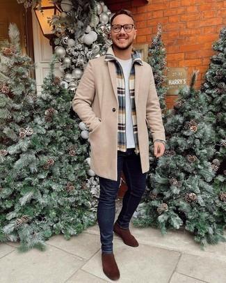 Mehrfarbige Harrington-Jacke kombinieren – 14 Herren Outfits: Tragen Sie eine mehrfarbige Harrington-Jacke und dunkelblauen enge Jeans für einen bequemen Alltags-Look. Fühlen Sie sich mutig? Entscheiden Sie sich für braunen Chelsea Boots aus Wildleder.