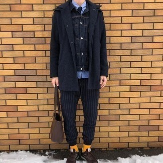Orange Socken kombinieren – 177 Herren Outfits: Kombinieren Sie einen dunkelblauen Mantel mit orange Socken für einen entspannten Wochenend-Look. Fühlen Sie sich mutig? Entscheiden Sie sich für dunkelbraunen Sportschuhe.