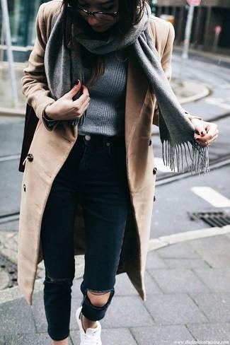 grauer Pullover mit einem Rundhalsausschnitt von Vero Moda