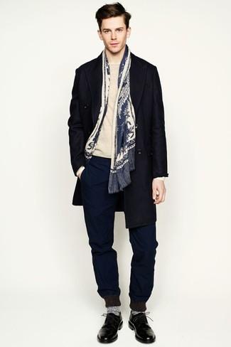 hellbeige Pullover mit einem Rundhalsausschnitt von Laneus