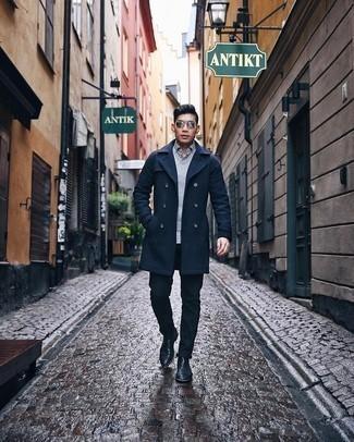 Weißes und dunkelblaues Langarmhemd mit Karomuster kombinieren – 73 Herren Outfits: Kombinieren Sie ein weißes und dunkelblaues Langarmhemd mit Karomuster mit einer dunkelblauen Chinohose für ein bequemes Outfit, das außerdem gut zusammen passt. Fühlen Sie sich mutig? Wählen Sie schwarzen Chelsea Boots aus Leder.