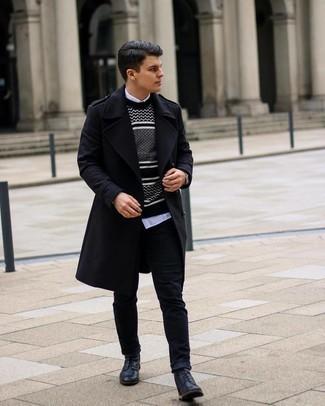 kühl Wetter Outfits Herren 2021: Paaren Sie einen schwarzen Mantel mit schwarzen Jeans, um einen eleganten, aber nicht zu festlichen Look zu kreieren. Ergänzen Sie Ihr Look mit einer schwarzen Lederfreizeitstiefeln.