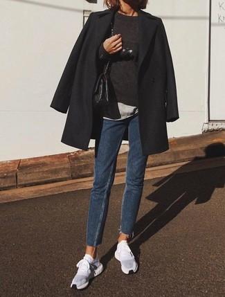 Wie blaue Jeans mit schwarzen Mantels zu kombinieren (58