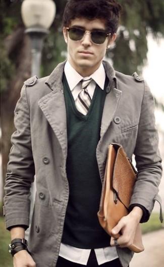 dunkelgrüner Pullover mit einem V-Ausschnitt von Gant