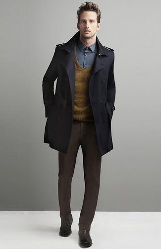 rotbrauner Pullover mit einem V-Ausschnitt von Gant