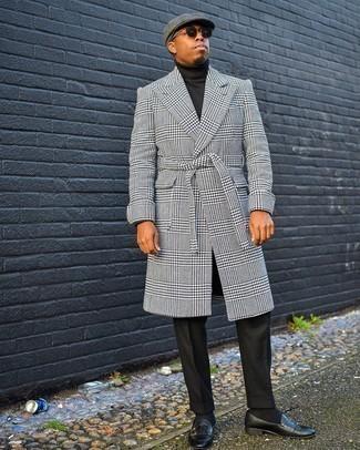 Schwarzen Rollkragenpullover kombinieren – 1045+ Herren Outfits: Paaren Sie einen schwarzen Rollkragenpullover mit einer schwarzen Anzughose für eine klassischen und verfeinerte Silhouette. Ergänzen Sie Ihr Look mit schwarzen Doppelmonks aus Leder.