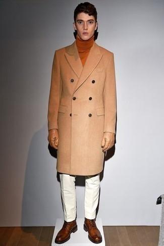Handschuhe kombinieren – 500+ Herren Outfits: Kombinieren Sie einen camel Mantel mit Handschuhen für einen entspannten Wochenend-Look. Fühlen Sie sich mutig? Vervollständigen Sie Ihr Outfit mit einer braunen Lederfreizeitstiefeln.