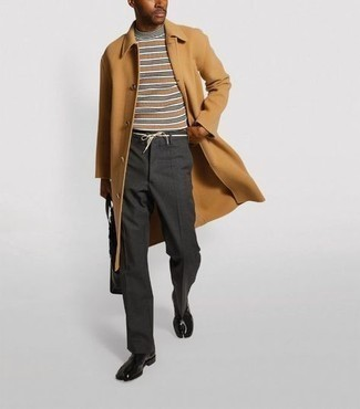 30 Jährige: Dunkelgraue Chinohose kombinieren – 331 Herren Outfits kalt Wetter: Kombinieren Sie einen camel Mantel mit einer dunkelgrauen Chinohose, wenn Sie einen gepflegten und stylischen Look wollen. Fühlen Sie sich ideenreich? Vervollständigen Sie Ihr Outfit mit schwarzen Chelsea Boots aus Leder.