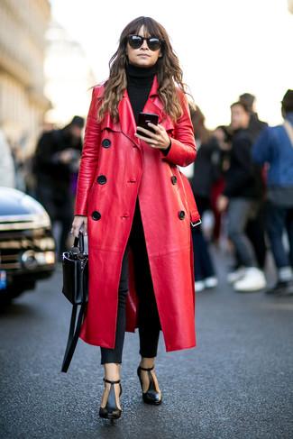 Miroslava Duma trägt Roter Ledermantel, Schwarzer Rollkragenpullover, Schwarze Enge Jeans, Schwarze Leder Stiefeletten mit Ausschnitten
