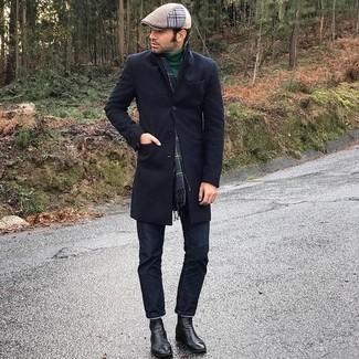 kühl Wetter Outfits Herren 2020: Kombinieren Sie einen dunkelblauen Mantel mit dunkelblauen Jeans für Ihren Bürojob. Fühlen Sie sich ideenreich? Wählen Sie schwarzen Chelsea Boots aus Leder.