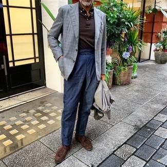 Graues Sakko mit Karomuster kombinieren: trends 2020: Kombinieren Sie ein graues Sakko mit Karomuster mit einer dunkelblauen Leinen Chinohose, um einen eleganten, aber nicht zu festlichen Look zu kreieren. Dunkelbraune Wildleder Derby Schuhe sind eine einfache Möglichkeit, Ihren Look aufzuwerten.