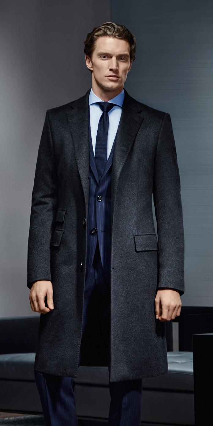 Mantel fur blauen anzug
