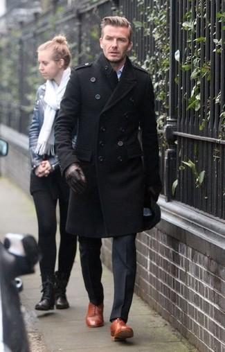 Brauner mantel schwarze schuhe