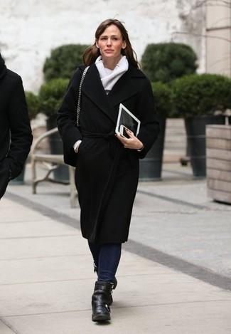 Mantel schwarzer jeans dunkelblaue stiefeletten schwarze schal grauer large 1442