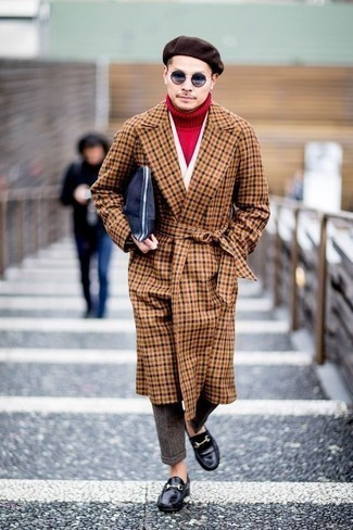 roter Pullover von OZONEE