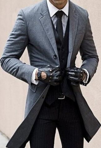 tolle Passform Dauerhafter Service bester Lieferant grauer Mantel, schwarze vertikal gestreifte Weste, weißes ...
