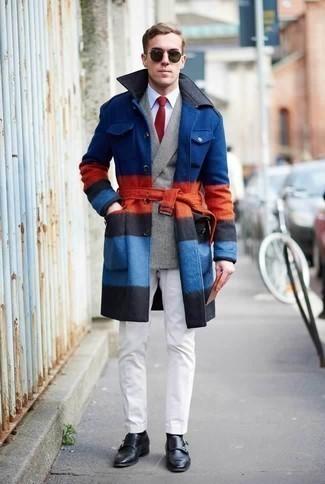 Graues Zweireiher-Sakko mit Schottenmuster kombinieren: trends 2020: Tragen Sie ein graues Zweireiher-Sakko mit Schottenmuster und eine weiße Chinohose für einen für die Arbeit geeigneten Look. Putzen Sie Ihr Outfit mit schwarzen Doppelmonks aus Leder.
