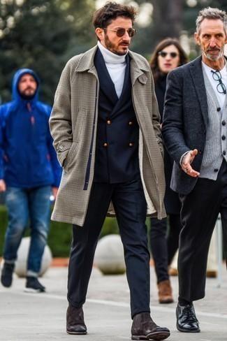 Herren Outfits & Modetrends 2020 für Winter: Etwas Einfaches wie die Wahl von einem braunen Mantel mit Hahnentritt-Muster und einer dunkelblauen Wollanzughose kann Sie von der Menge abheben. Fühlen Sie sich mutig? Wählen Sie dunkelbraunen Chelsea-Stiefel aus Wildleder. Schon mal so einen tollen Winter-Outfit gesehen?