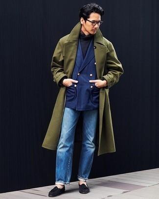 Schwarzen Rollkragenpullover kombinieren – 699+ Herren Outfits: Kombinieren Sie einen schwarzen Rollkragenpullover mit blauen Jeans, um einen lockeren, aber dennoch stylischen Look zu erhalten. Fühlen Sie sich ideenreich? Entscheiden Sie sich für schwarzen Wildleder Slipper mit Quasten.