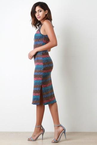 8fc69f9514c9 Weißes und rotes und dunkelblaues horizontal gestreiftes Kleid ...