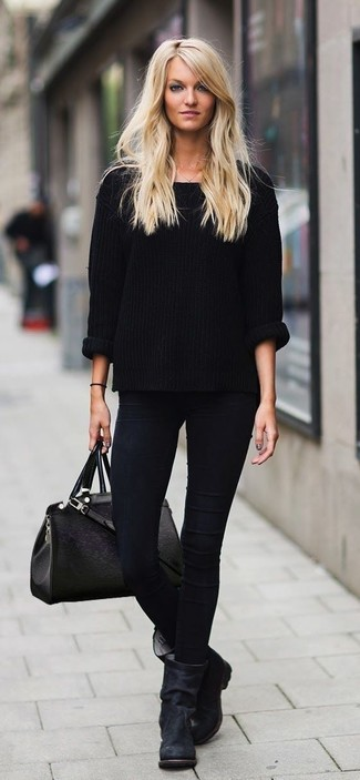1d34a50d12a Welche mittelalte Stiefel mit schwarzen Oversize Pullovers zu tragen ...