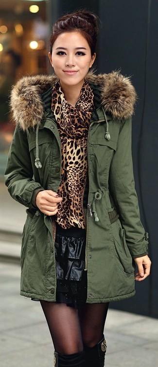 uk availability 9e3ec 85424 dunkelgrüner Parka, brauner Pullover mit einer weiten ...