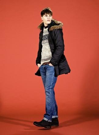 Wie kombinieren: schwarzer Parka, hellbeige Pullover mit einem Rundhalsausschnitt mit Fair Isle-Muster, schwarzes Businesshemd, blaue Jeans