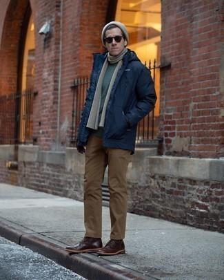 Dunkelbraune Lederhandschuhe kombinieren: trends 2020: Entscheiden Sie sich für Komfort in einem dunkelblauen Parka und dunkelbraunen Lederhandschuhen. Wählen Sie eine dunkelbraune Lederfreizeitstiefel, um Ihr Modebewusstsein zu zeigen.