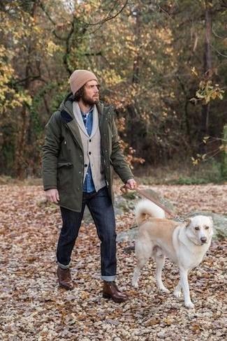 Olivgrünen Parka kombinieren – 172 Herren Outfits: Vereinigen Sie einen olivgrünen Parka mit dunkelblauen Jeans für einen entspannten Wochenend-Look. Eine dunkelbraune Lederfreizeitstiefel putzen umgehend selbst den bequemsten Look heraus.