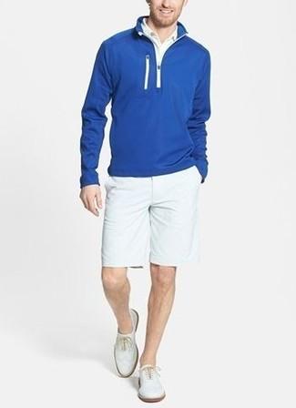 30 Jährige: Dunkelblauen Pullover mit einem Reißverschluss am Kragen kombinieren: trends 2020: Entscheiden Sie sich für einen dunkelblauen Pullover mit einem Reißverschluss am Kragen und weißen Shorts, um mühelos alles zu meistern, was auch immer der Tag bringen mag. Fügen Sie weißen Leder Oxford Schuhe für ein unmittelbares Style-Upgrade zu Ihrem Look hinzu.