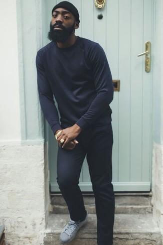 dunkelblauer Pullover mit einem Rundhalsausschnitt von Loro Piana