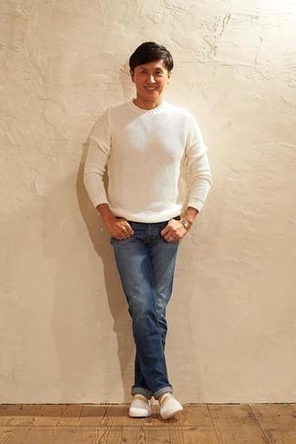 weißer Pullover mit einem Rundhalsausschnitt von Anvil
