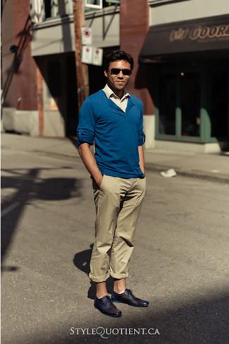 blauer Pullover mit einem V-Ausschnitt von BLEND