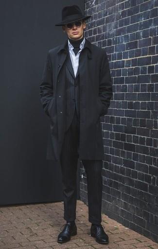 Schwarzen Wollhut kombinieren: trends 2020: Vereinigen Sie eine schwarze Regenjacke mit einem schwarzen Wollhut für einen entspannten Wochenend-Look. Schwarze Leder Oxford Schuhe bringen klassische Ästhetik zum Ensemble.