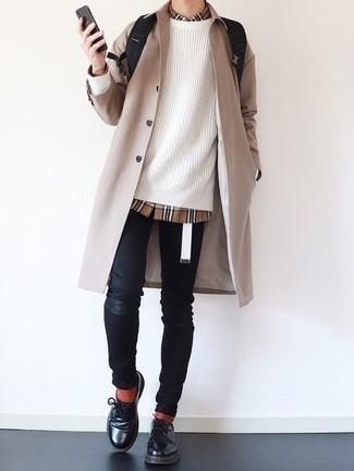 Überzug kombinieren – 500+ Herren Outfits: Kombinieren Sie einen Überzug mit schwarzen engen Jeans für einen entspannten Wochenend-Look. Fühlen Sie sich ideenreich? Komplettieren Sie Ihr Outfit mit schwarzen Leder Derby Schuhen.